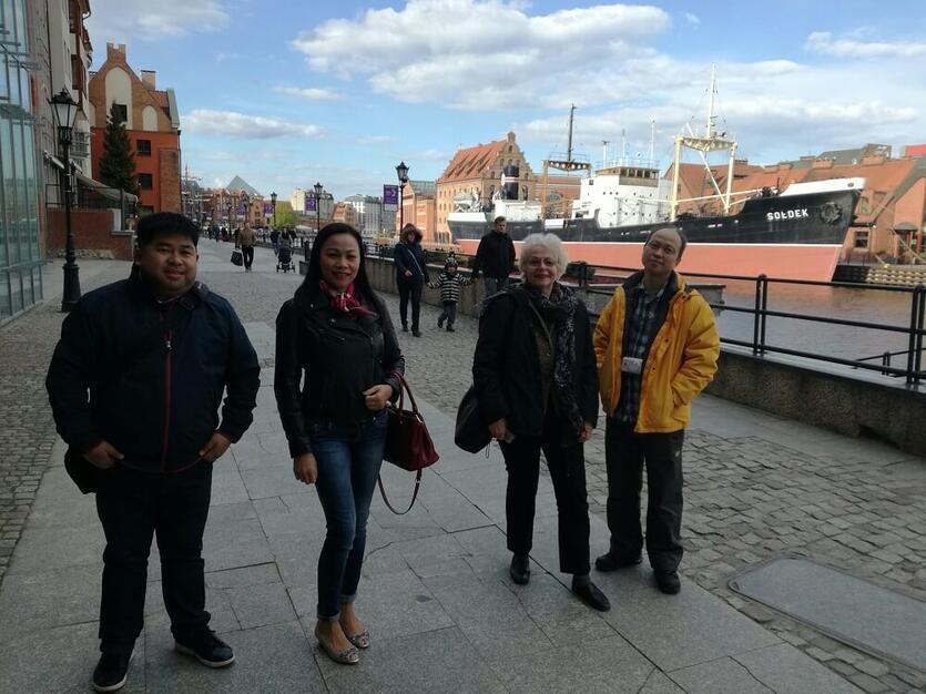 Od lewej: Eduardo Ygot, Mylene Fajanela, Margarete Grimus i Michael Chow