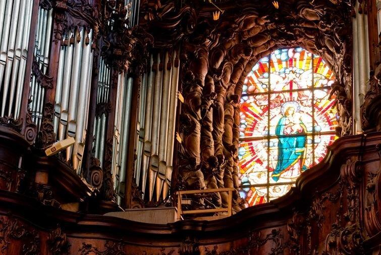 Poczuj moc muzyki organowej na żywo