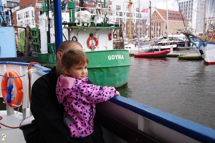 Alex patrzy na Gdańsk
