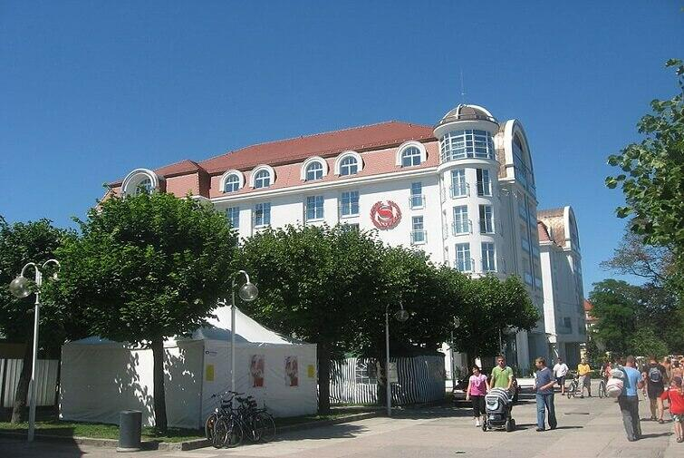 Bliżej morza się nie da! 5 hoteli przy plaży