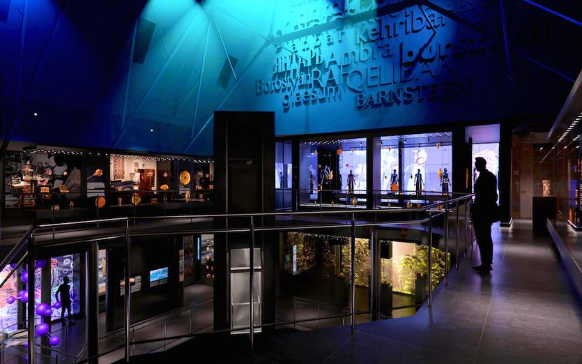 Widok ogólny na poziomie drugim w nowym Muzeum Bursztynu,