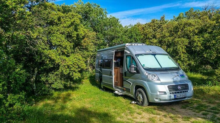 camping-4086895_1280