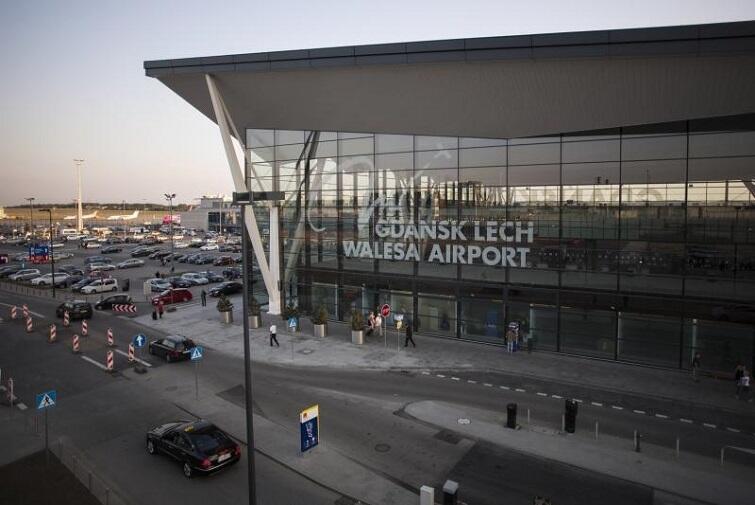 Smidig och bekväm väg genom flygplatsen i Gdansk!