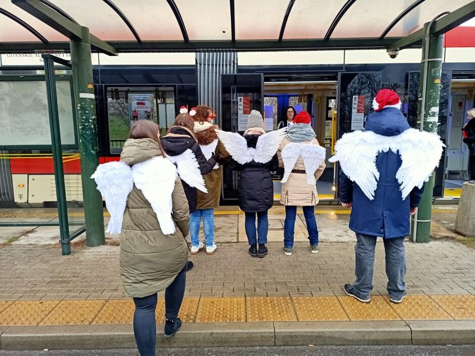 Anioły dla Hospicjum Pomorze Dzieciom w gdańskiej komunikacji miejskiej