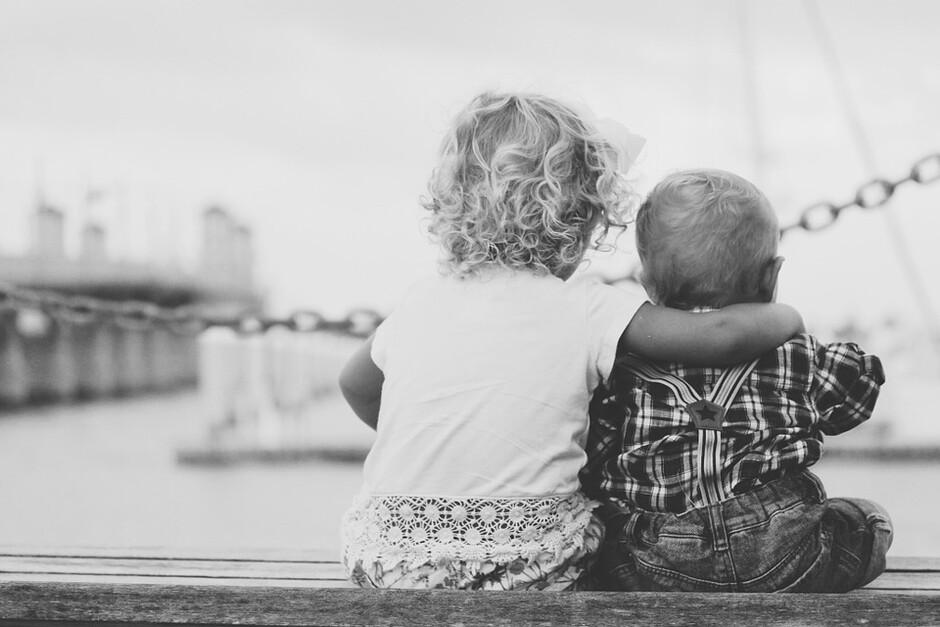 Gdańskie dzieci w rodzinach zastępczych otoczone są opieką i miłością - fot. Pixabay